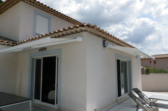 store-exterieur-double-terrasse-rhone
